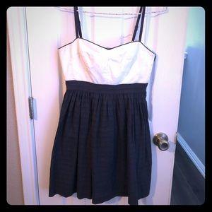* 2 for 1 dresses * Cute midi dress!